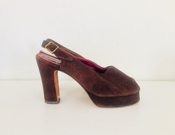 70s Platforms Sandals Brown Suede Size 6.5 36 37