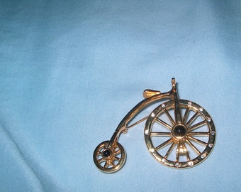 Vintage Costume Jewelry  Bicycle Brooch Pin, Wheels Move