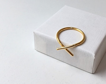 FRACTURE ring in 18ct recycled gold - MADE to ORDER