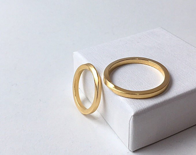 TWISTED ELEGANCE weddingband set in 18ct recycled gold - made to order