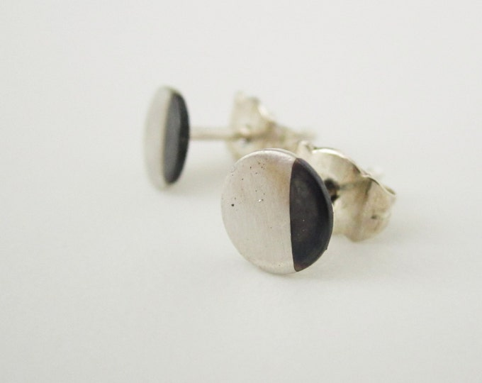 Dip dye DOT - earrings, Dip Dye studs, silver circle earrings