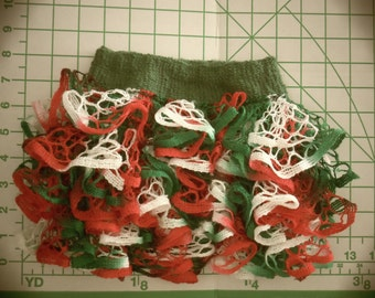 Baby or Toddler ruffled skirt in Christmas colors using Starbella yarn