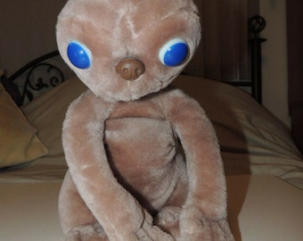"The Extra-Terrestrial 7/"" Plush Doll E.T."