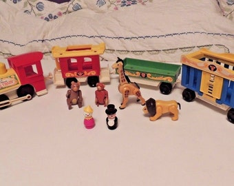 Vintage 4 car Fisher Price LITTLE PEOPLE Play Family CIrcus Train Set #991