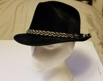 Vtg Dobbs Fifteen Ninety Five Fedora Style Hat Velvet Black Gold Braid Dobb 21.5