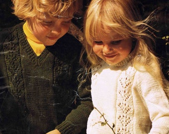Child's DK V Round Neck Sweater Pullover Jumper - Size 56 to 66 cm (22 to 26 inches) - Sirdar Double Knitting 4174 Vintage Knitting Pattern