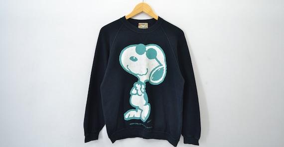 Snoopy Sweatshirt Vintage Snoopy Pullover Snoopy V