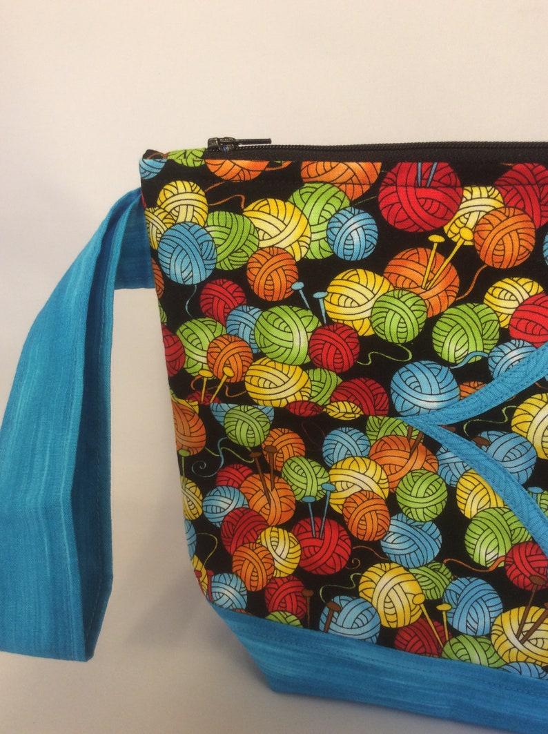 Yarn Balls Cathedral Zip-Top L+