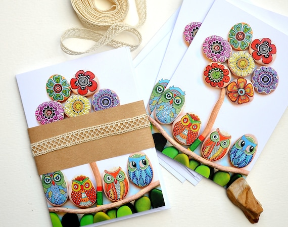 I Sassi dell'Adriatico - Greeting Card - Painted stone mandala Flower & Owls