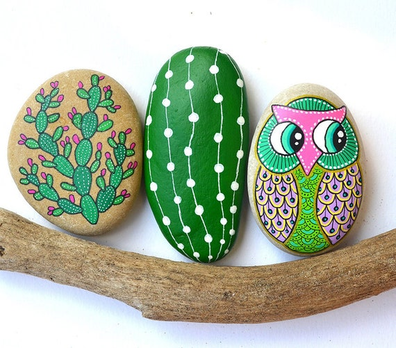 Owl No.10 - Hand Painted Stone - I Sassi dell'Adriatico (Adriatic Sea Stone)