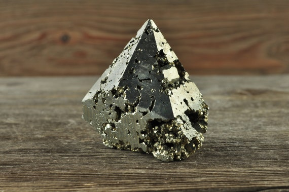 Pyrite Crystal Point! Crystal Decor, Pyrite Points, Pyrite Tower, Pyrite, Pyrite Crystal, Pyrite Specimen, Abundance Crystal, Gold