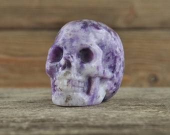 Gorgeous Lepidolite Crystal Skull, 2 inches! Halloween Decor, Skull Decor, Gothic Home Decor, Memento Mori, Goth Decor, Crystal Decor