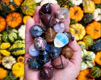 Crystal Acorns, Acorn Crystal, Acorns, Fall Decor, Crystal Decor, Home Decor, Crystals, Halloween Crystals, Healing Crystals