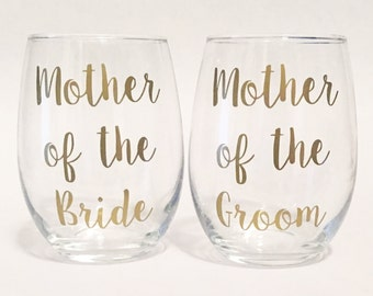 Set of 2 - Mother of the Bride & Mother of the Groom Stemless Wine Glasses Gold in Script Font / Bridal Gift