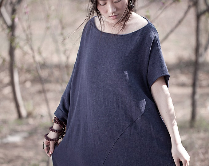 Short sleeves tunic - Ample tunic - Asymmetrical base - Neck Round - Spring / Summer tunic - Linen tunic - Made to order