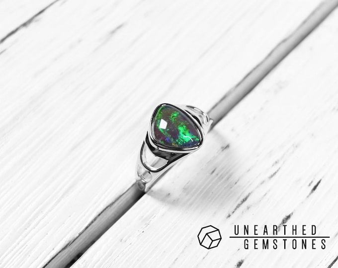 Opal Ring Size 8 18mar802