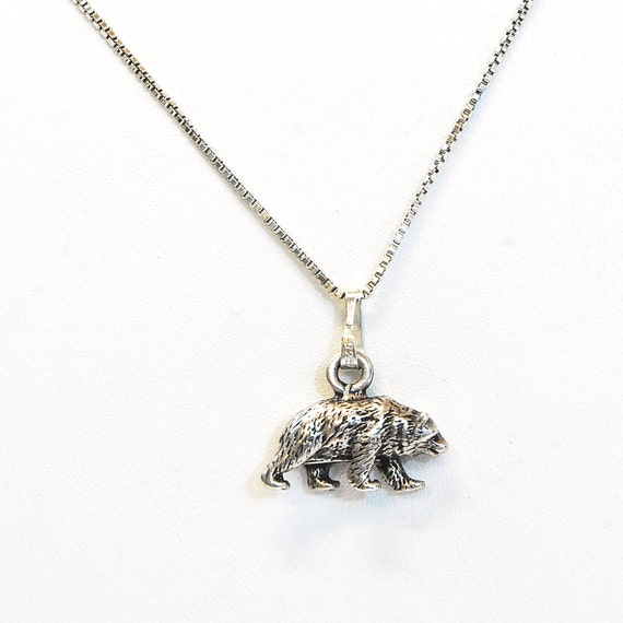 Vintage Necklace - Vintage Sterling Silver Bear Ch