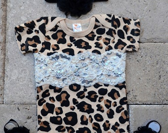 60a4fe616e20 Cheetah baby outfit