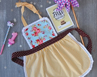 Toddler Apron, Kids Apron, Girl Apron, Apron for Toddler, Toddler Gift Personalized, Baby Apron, Cake Smash Accessories, Mommy and Me Aprons