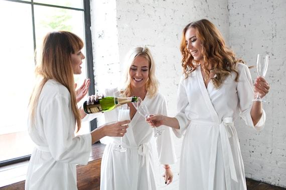 Braut Partei Roben weiße Roben weiße Hochzeit Gewänder | Etsy