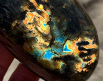 "Rainbow Labradorite Palm Stone 3"" - Empath Protection Meditation Crystal"