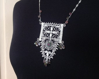 One-of-a-kind Genoese Scallop Pendant in Silver with Watermelon Tourmaline, unique design hand made in traditional bobbin lace technique