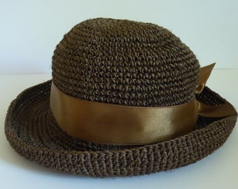 9525cb8f75367 Handmade from Ecuador Exceptional Vintage Toquilla Straw Hat Bowler Breton  Pork Pie Mix in Chocolate Brown