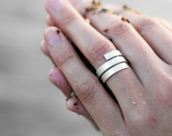 wrap around ring, Sterling silver spiral ring, swirl ring, geometric ring, minimalist ring, simple ring, modern ring, contemporary ring