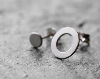 Asymmetrical circle earrings, geometric earrinfs, minimalistic earrings, minimal silver stud earrings, silver post circle earrings