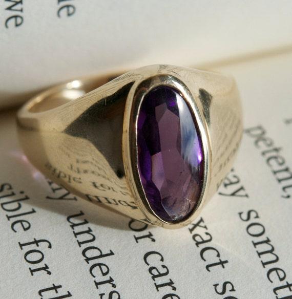 Stunning Antique Amethyst Ring.  10K Antique Gold