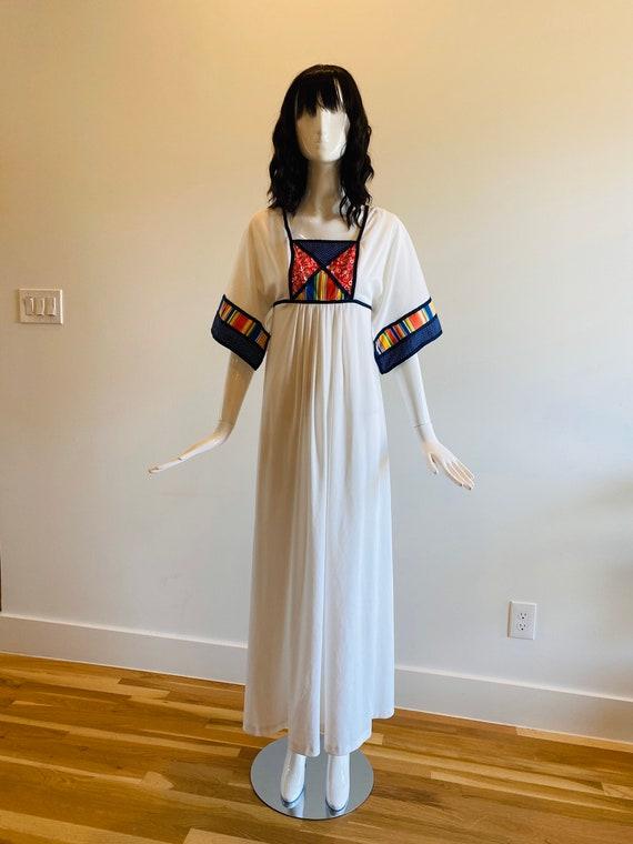 60s Boho White Maxi Dress / Vintage Muumuu /Kaftan