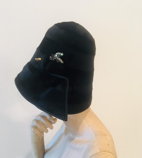 20s hat / Faux Fur Hat / Vintage 20s Hat / Crystal