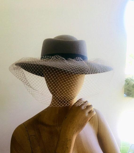 Vintage Net Hat / Fascinator Hat / 70s Glam Hat /