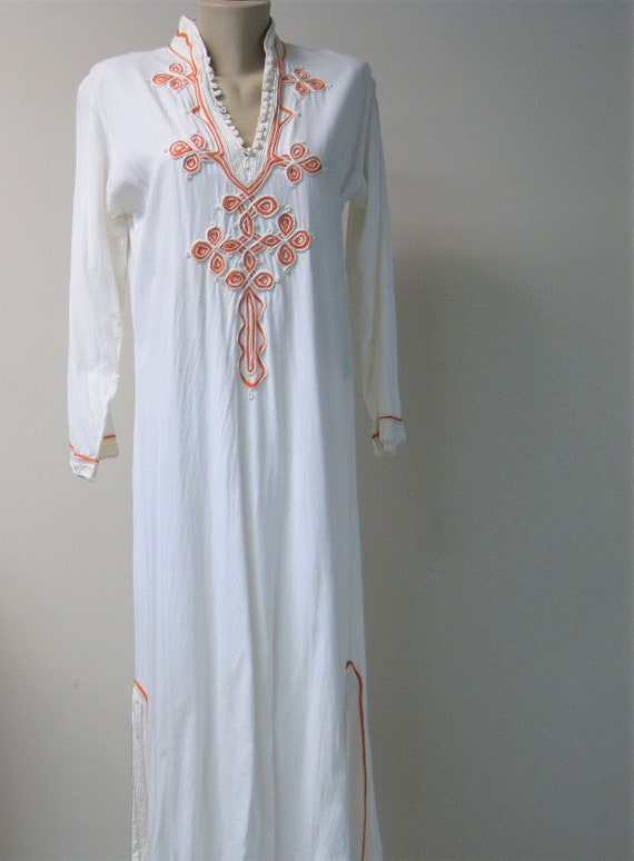 Vintage White Linen Caftan / VTG Moroccan Style Lo