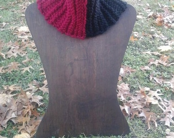 Black and red garter ridge cowl