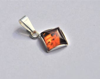 Vintage Sterling Silver and Synthetic Amber Pendant - Gift for Woman - Diamond Shape