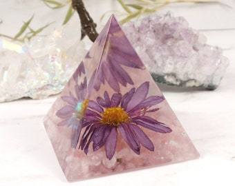Resin pyramid real flower house decor, spiritual gift, Paperweight