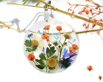 Real Flower necklace, wildFlower pendant, Pressed Flowers jewelry, Botanical Necklace, Nature jewelry, garden necklace, wildflowers necklace