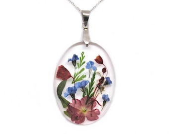 Resin Necklace with real flowers, Pressed Flower Jewelry, Botanical Jewelry, Flower bouquet necklace, Nature jewelry, Summmer pendant