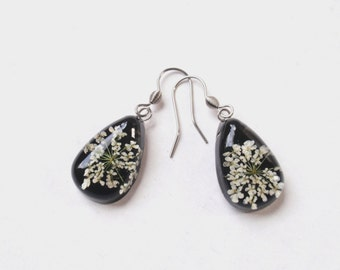Queen Annes Lace Resin Earrings, Real Flower Resin Earrings,  Botanical Earrings, Nature jewelry, wild flower jewelry