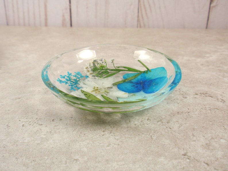 Small resin jewelry storage Real flowers decorative ring trinket Flower ring dish