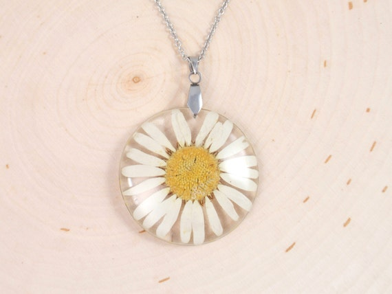 April birth flower real flower necklace Daisy necklace real daisy necklace daisy pendant necklace flower healing