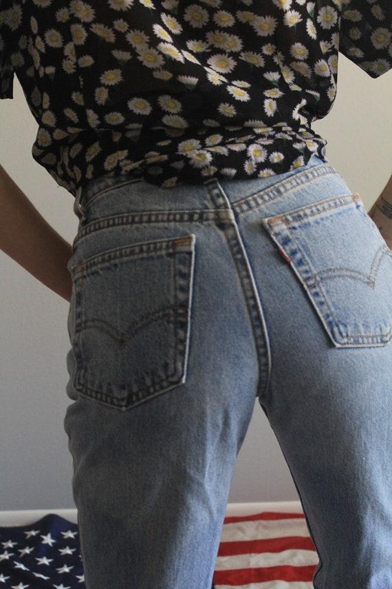 Levi's 512 High Waist 90s Skinny Mom Jeans - image 4