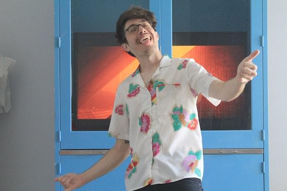 c2d2c1517d6b6 Unisex 80s Levis Bend Over Paper Thin Floral Shirt