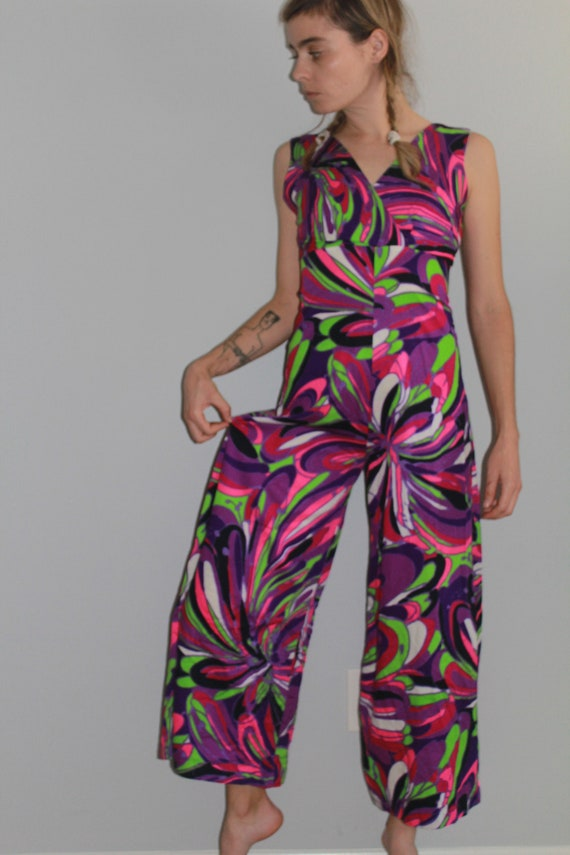60's Psychedelic Purple Tone Wide Leg Cropped Jum… - image 4