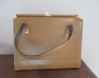 BEAUTIFUL Vintage 1950's Coffee Coloured Kelly Style Handbag, MADE In USA - Lovely!!