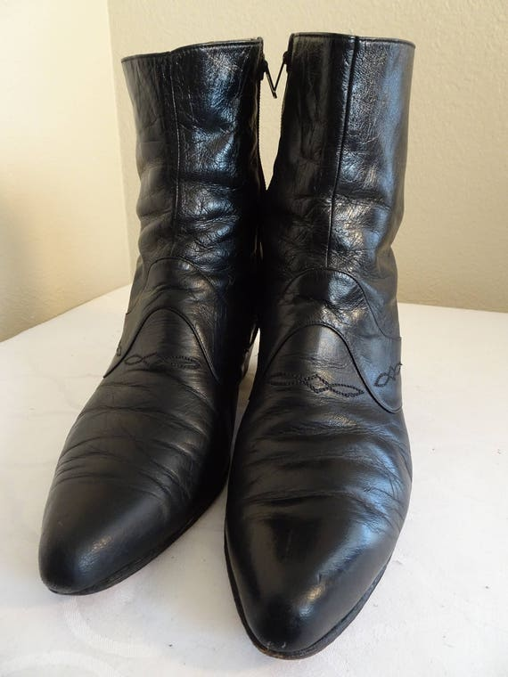 BEAUTIFUL Vintage 1960's Leather Ankle Boots Made