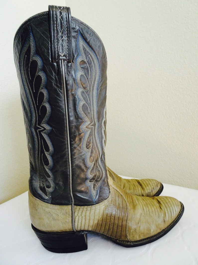 c7f2b40fd02 Lovely Vintage 'Tony Lama' Cowboy Boots Made In USA - UK 7, USA Size 9D -  Nice!!