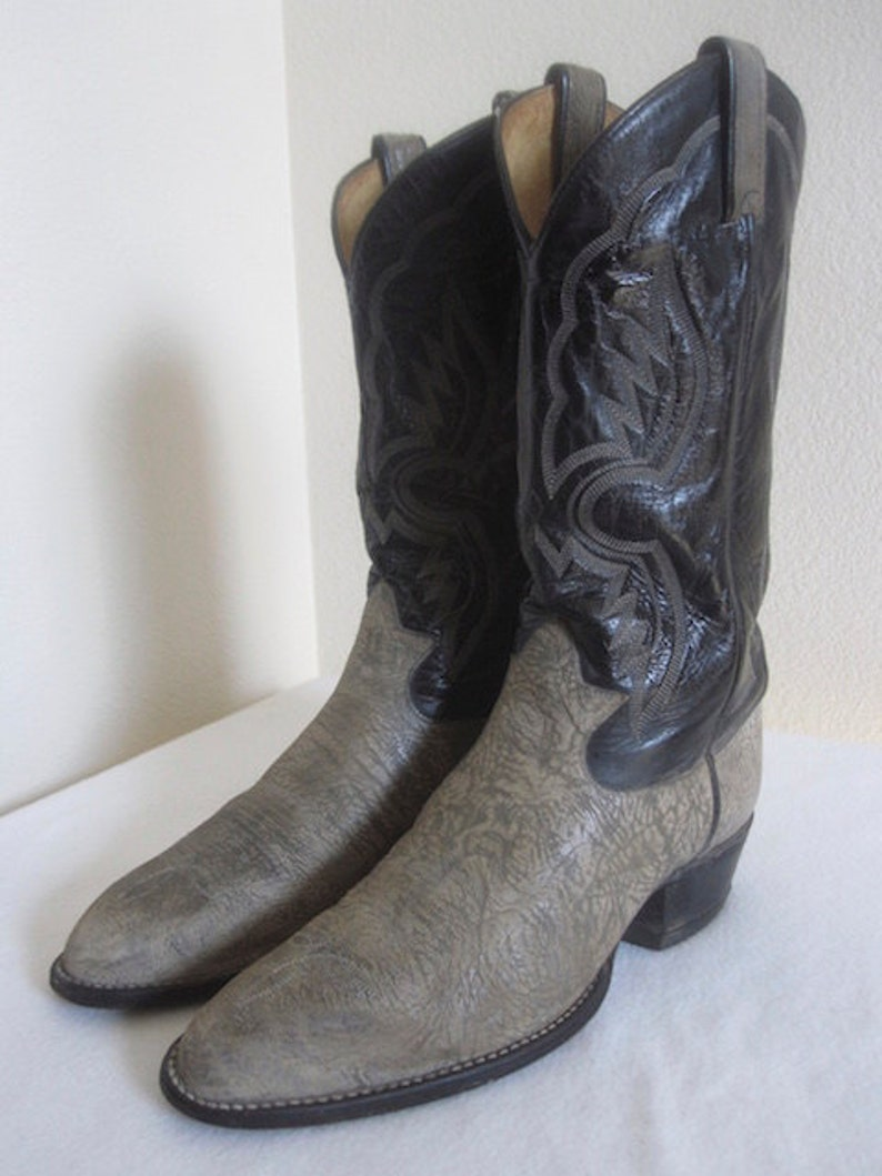 6f3875277d2 Vintage 'Tony Lama' Cowboy Boots Made In USA - UK Size 8