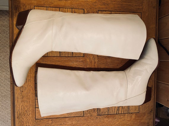 BEAUTIFUL Vintage 1980's White Leather Knee Boots